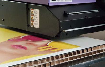 UVインクジェット 印刷 大判